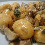 Gnocchi di zucca e ricotta ai funghi e gorgonzola