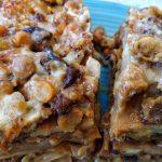 Lasagna di ceci (con ceci, melanzana, scamorza e salsiccia)